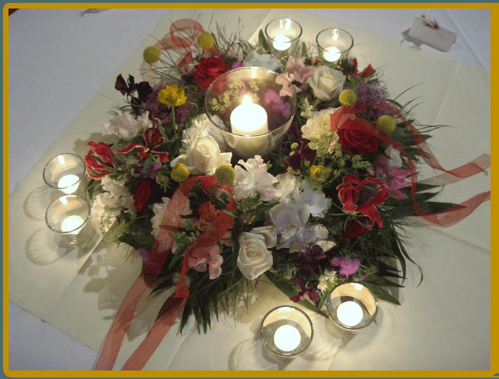 Beispiel: Tischgesteck, Foto: Die Blumen-Lounge Göllner.