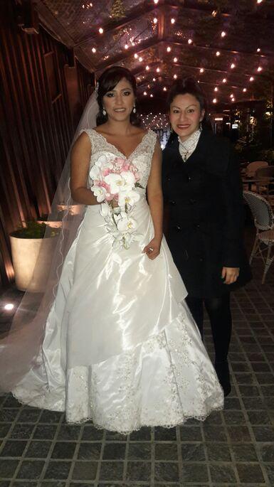 En la boda de mis novios Catherine y Eduardo. Hotel: #hotelbth Iglesia: #sagradocorazondejesus Catering: #gisellavasquez Fotografia: #diegopelaezfoto #magiesweddingplanner