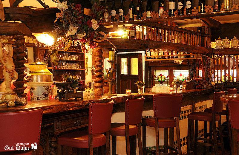 Beispiel: Restaurant, Foto: Landgasthof Gut Hahn.