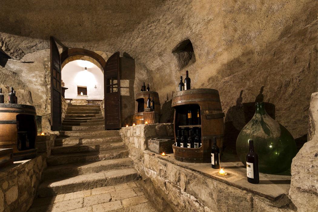 La discesa della Cantina per le degustazioni Castello Ducale Castel Campagnano
