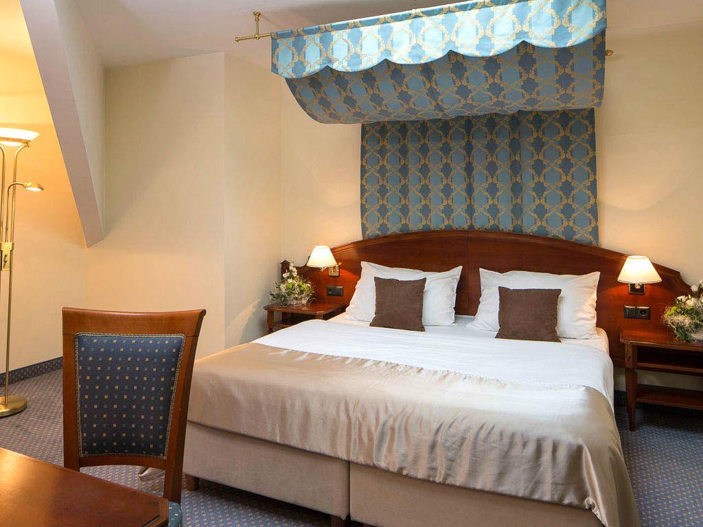 Beispiel: Wunderschöne Zimmer, Foto: Austria Trend Hotel Schloss Wilhelminenberg.