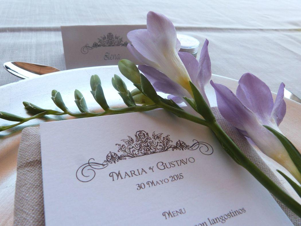 Diseño personalizado de invitaciones, minutas y meseros