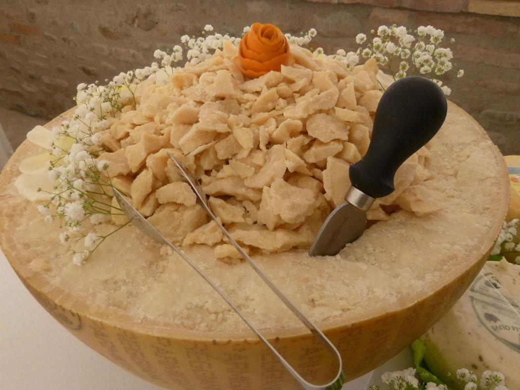 mezza forma di parmigiano - buffet di benvenuto