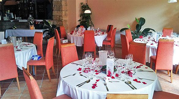 Beispiel: Restaurant - Bankett, Foto: Gare de la lune.