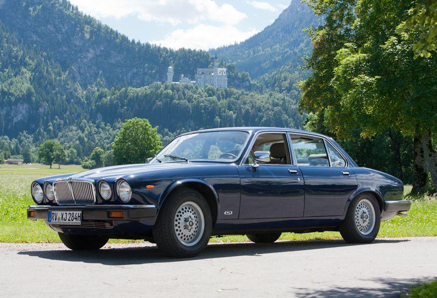 Jaguar XJ 6 von 1984, 5 Sitzer, mit Automatik, Servolenkung und langem Radstand für viel  Beinfreiheit auf den Rücksitzen.