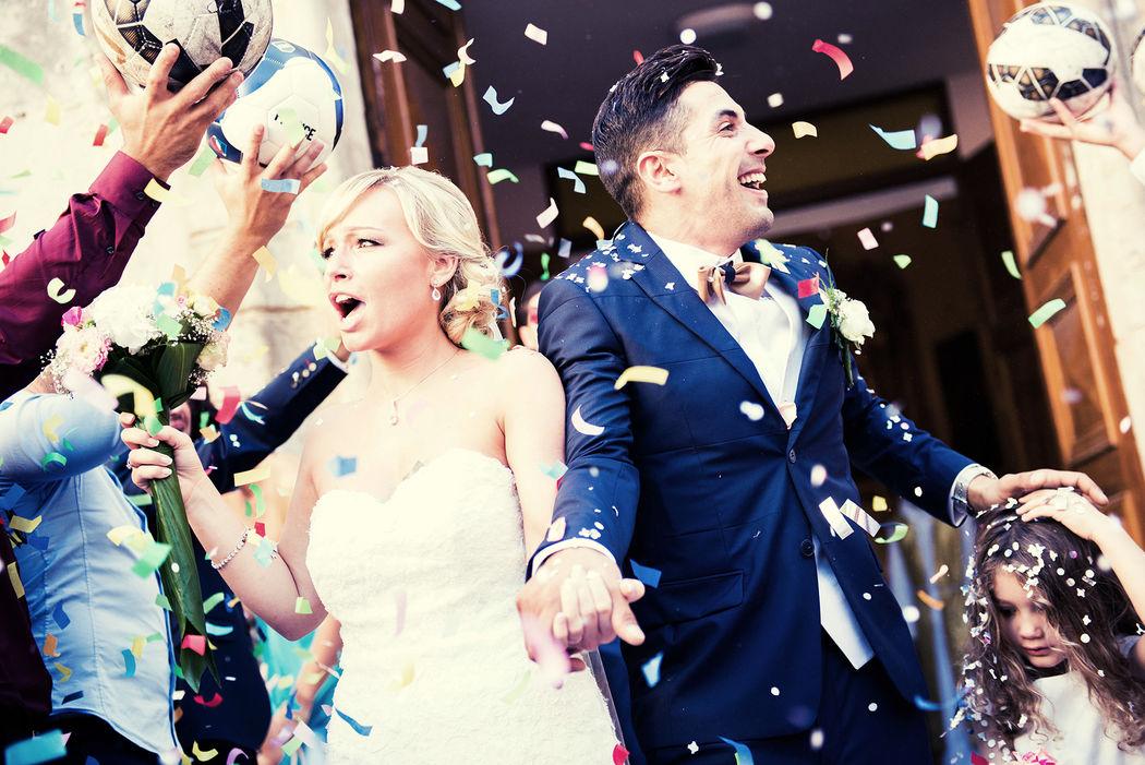 Les mariés confettis