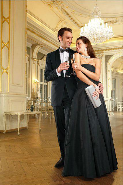 Beispiel: Der Anzug für den schönsten Tag in Ihrem Leben, Foto: Policke Herrenkleidung.