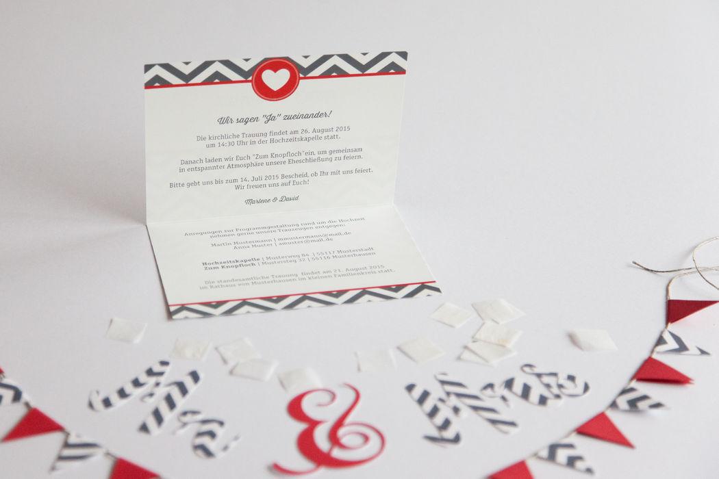 Beispiel: Hochzeitseinladung Thema Hamptons geöffnet, Foto: familiensache.