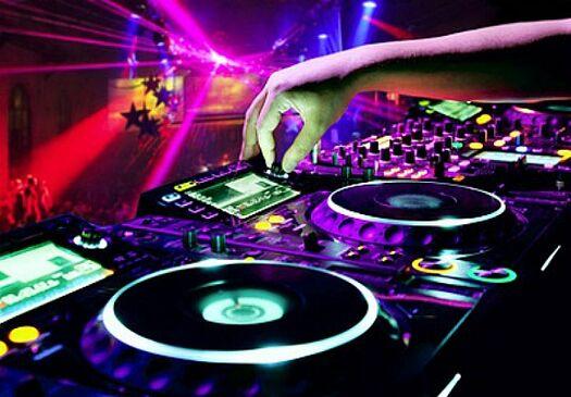 Beispiel: DJ-Service, Foto: SZ-Veranstaltungsservice.