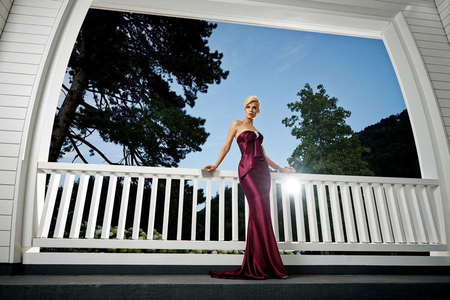 Beispiel: Mode für Hochzeitsgäste, Foto: Mery's Couture Abendmode.
