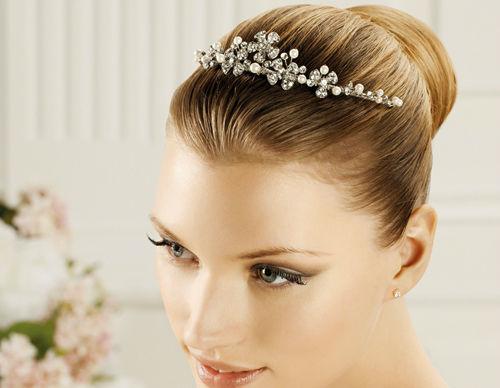 Beispiel: Haarschmuck für die Hochzeit, Foto: La Passion Accessoires.