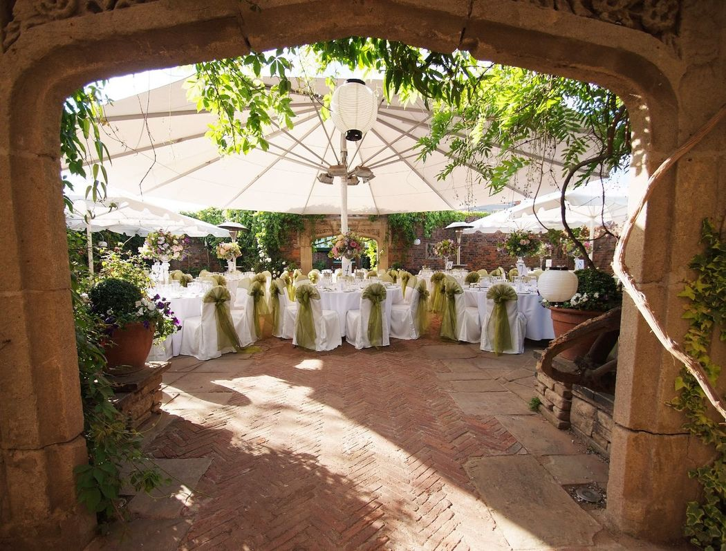 Spring Wedding at The Kensington Roof Garden - Stylish Events
