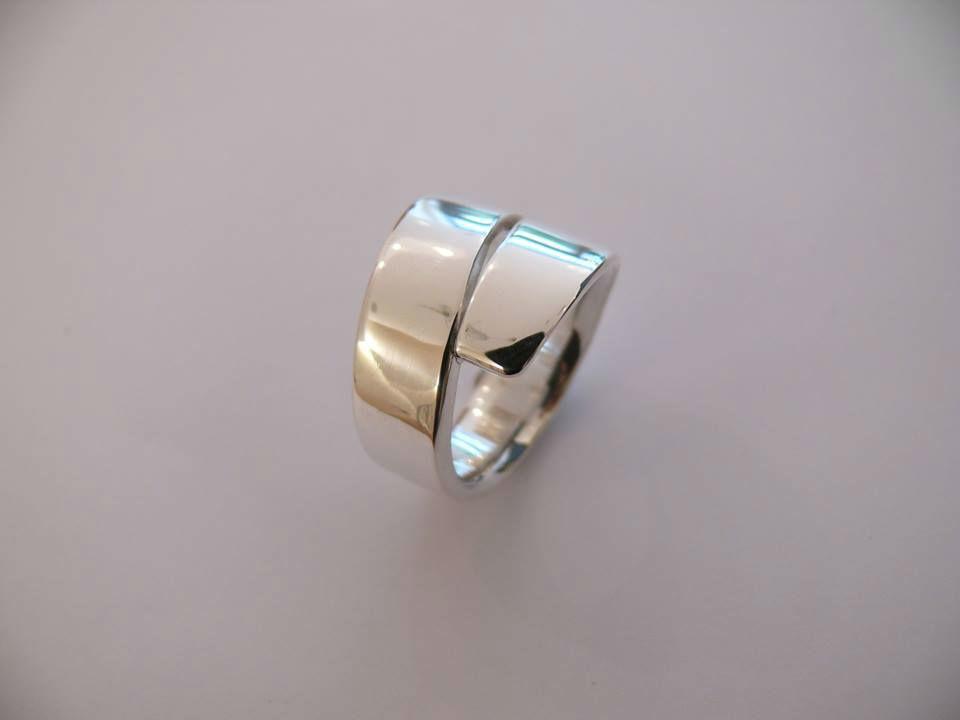 Beispiel: Ringdesign, Foto: Ringe Anke  Baumgarten.