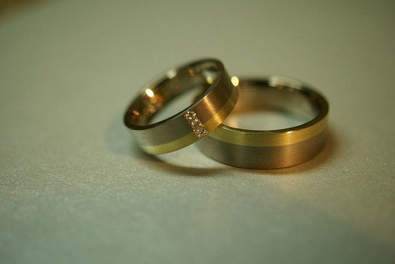Beispiel: Stellen Sie Ihre Eheringe selbst her, Foto: Goldschmiede Piechula.
