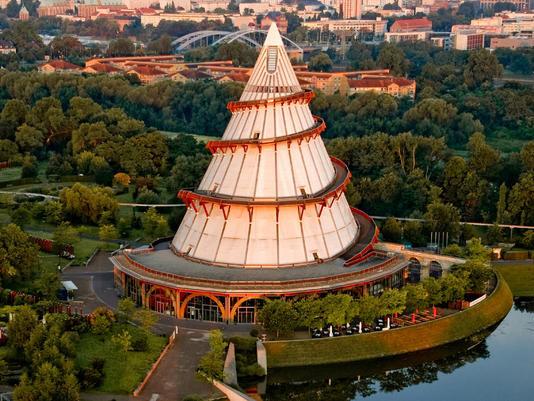 Beispiel: Lauftaufnahme, Foto: Jahrtausendturm.