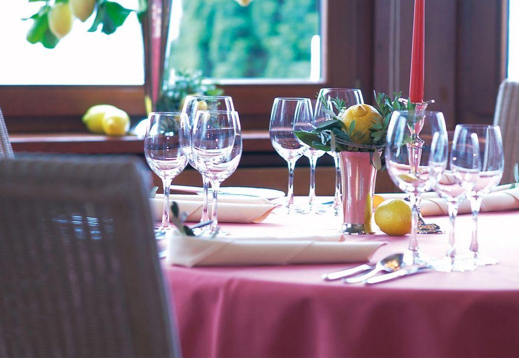Beispiel: Tischdekoration, Foto: Schlosshotel Steinburg.