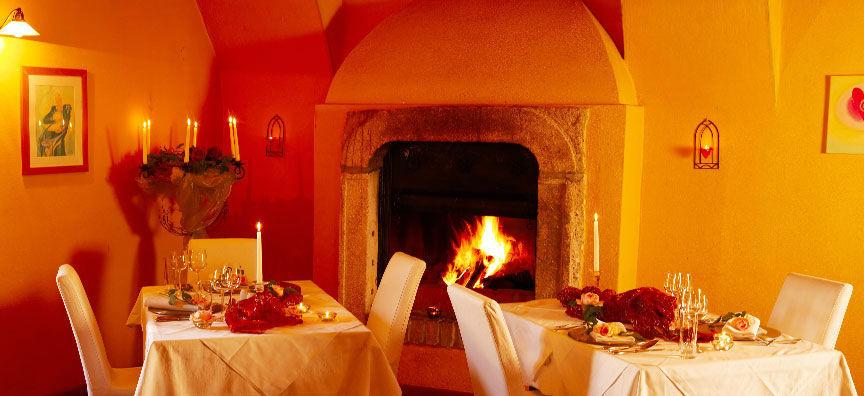 Beispiel: Stimmungsvolles Ambiente, Foto: Schlossgasthof Rosenburg.