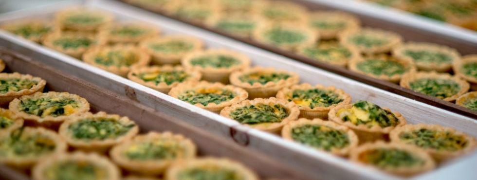Beispiel: Fingerfood für den Champagnerempfang, Foto: Stroh Catering.