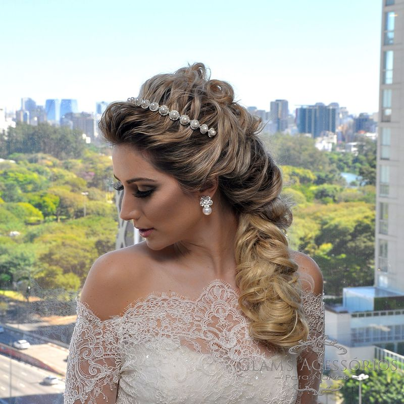 Editorial No Hotel Pulman Ibirapuera com Jóias Glams Acessórios e vestido Lucas Anderi