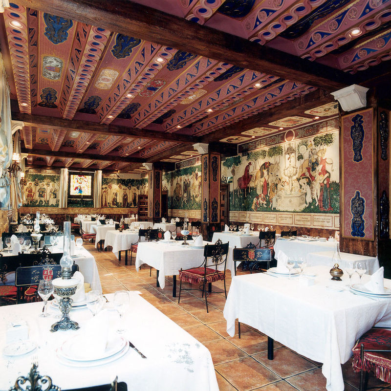 Restaurante Salón Medieval. Bodas hasta 60pax.