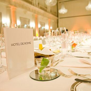 Beispiel: Tischdekoration, Foto: Hotel de Rome.