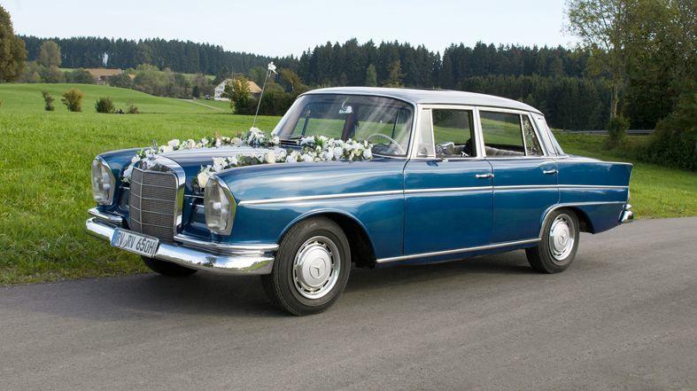 Mercedes Benz 220 S (Heckflosse) Bj. 1963 5 Sitzer, mit Lenkradschaltung und Schiebedach.