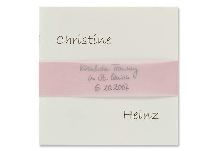 Beispiel: Wunderschöne Hochzeitskarten, Foto: Druckerei Friesl.