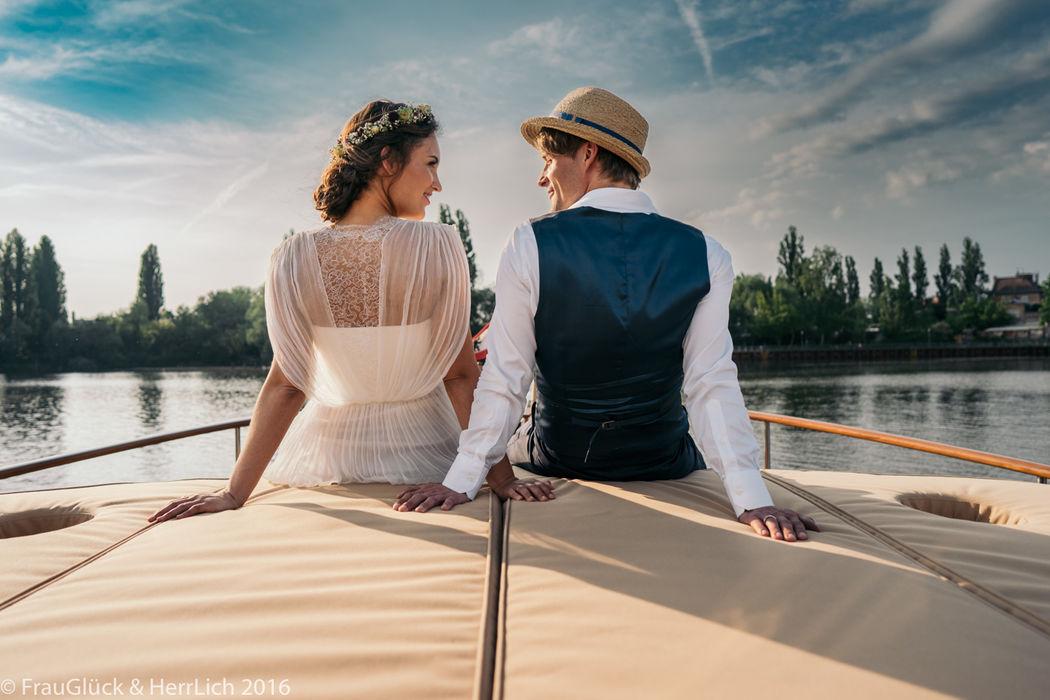 Romantisches Paarshooting an der Spree