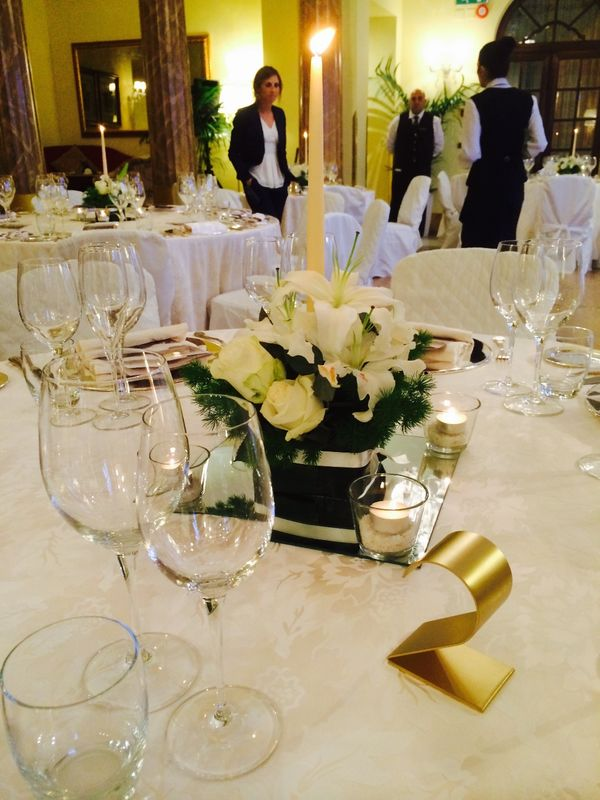 White and green Table decor