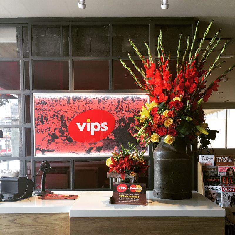 Ambientación floral para eventos corporativos