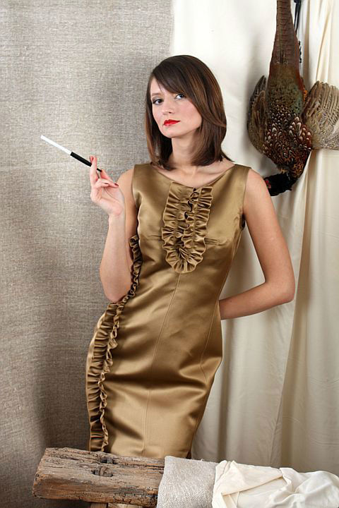 Beispiel: Mode mit Glamour, Foto: Ella Deck Couture Abendmode.