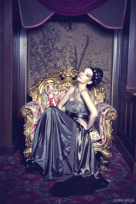 Beispiel: Abendmode, Foto: Elvira Kirsch.