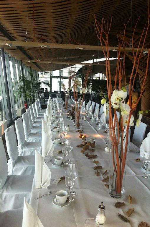 Beispiel: Dekoration für Ihren Hochzeitstisch, Foto: Elements - Floristik.