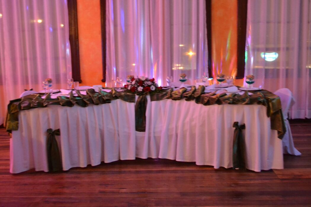 Lavegne centro de Eventos mesa de Novios