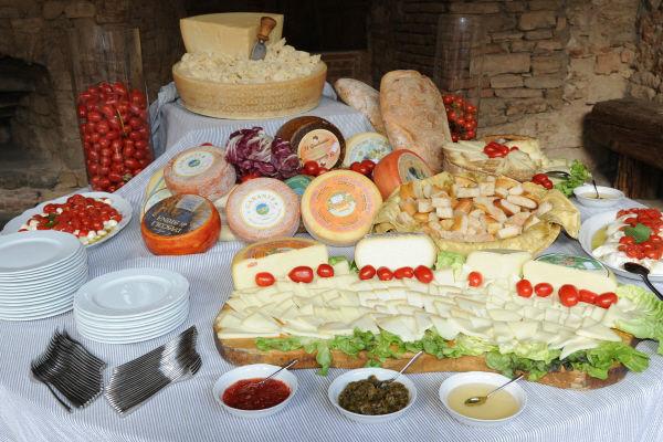 Angolo buffet formaggi - La Buona Tavola Catering&Banqueting Firenze