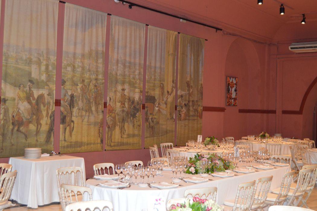 Detalle mesa imperial Salón Rojo