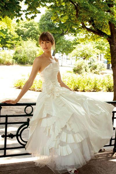 Beispiel: Traumhafte Kleider, Foto: Meister Couture.