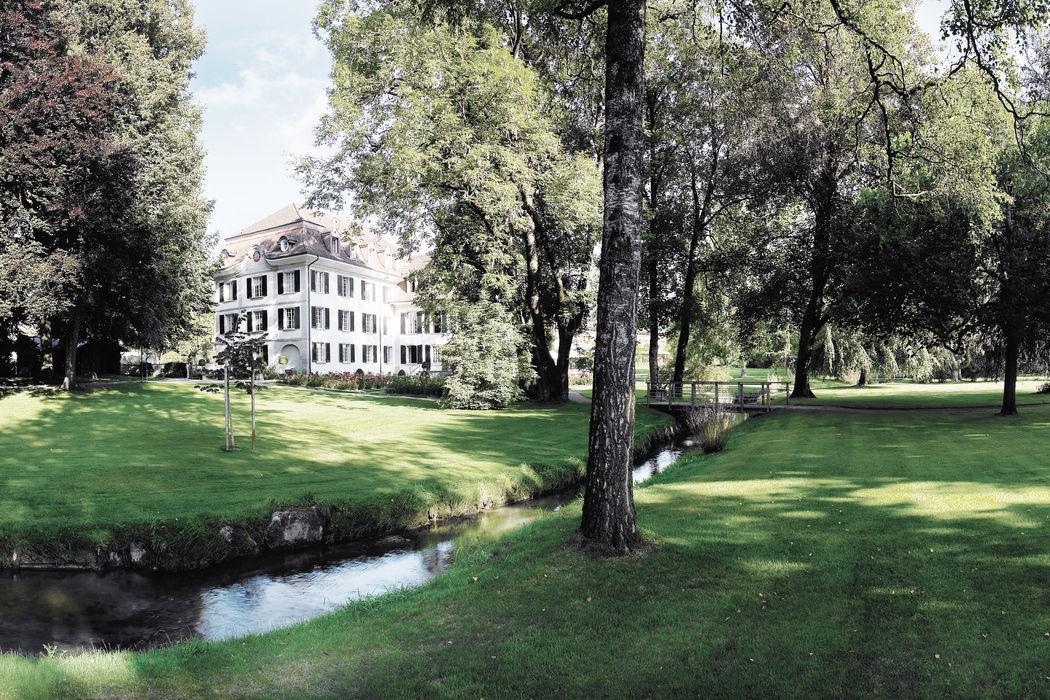 Schloss Hünigen mit grosszügigem Schlosspark