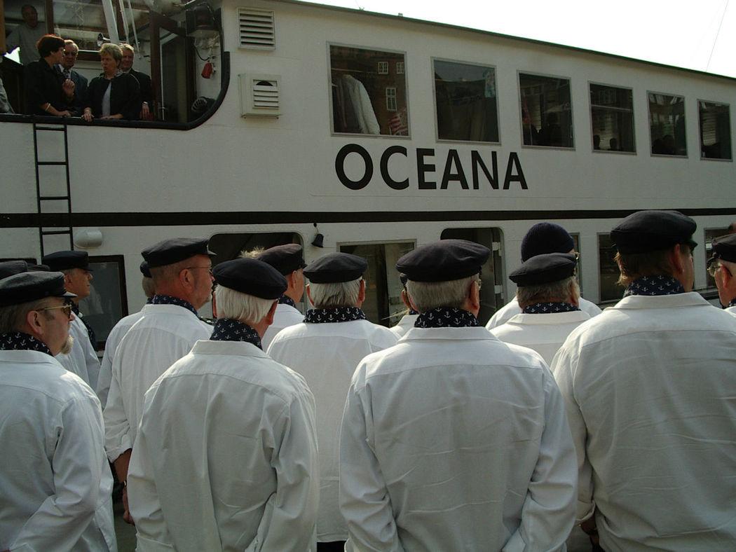 Beispiel: Schiff Oceana, Foto: Hal över.