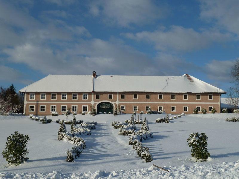 Beispiel: Stadlerhof im Schnee, Foto: Stadlerhof Wilhering.