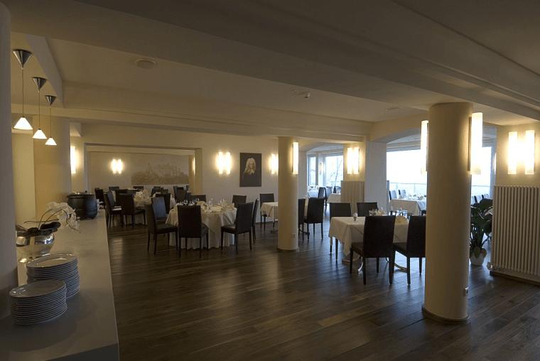Beispiel: Restaurant, Foto: Schlossberg-Hotel Homburg Saar.