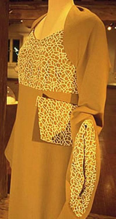 Beispiel: Brautkleid, Foto: Christine Hoffmeister.