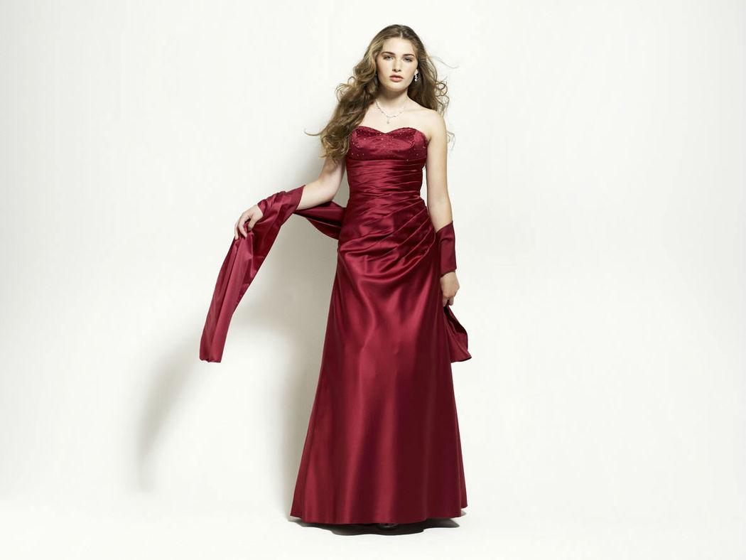 Beispiel: Festliche Mode, Foto: Magy's Brautmode.