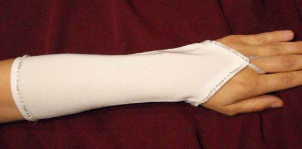 Beispiel: Handschuhe, Foto: die-brautseite.