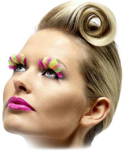 Beispiel: Augenwimpern, Foto: Partyrama.