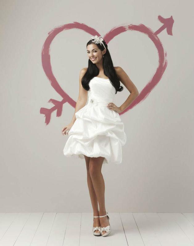 Beispiel: Das individuelle Kleid, Foto: La Diva Brautmoden.