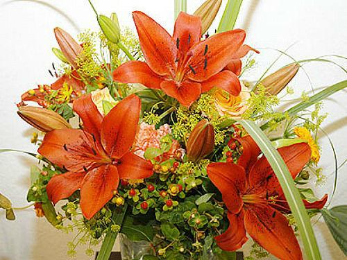 Beispiel: Strauss, Foto: Blütenraum.