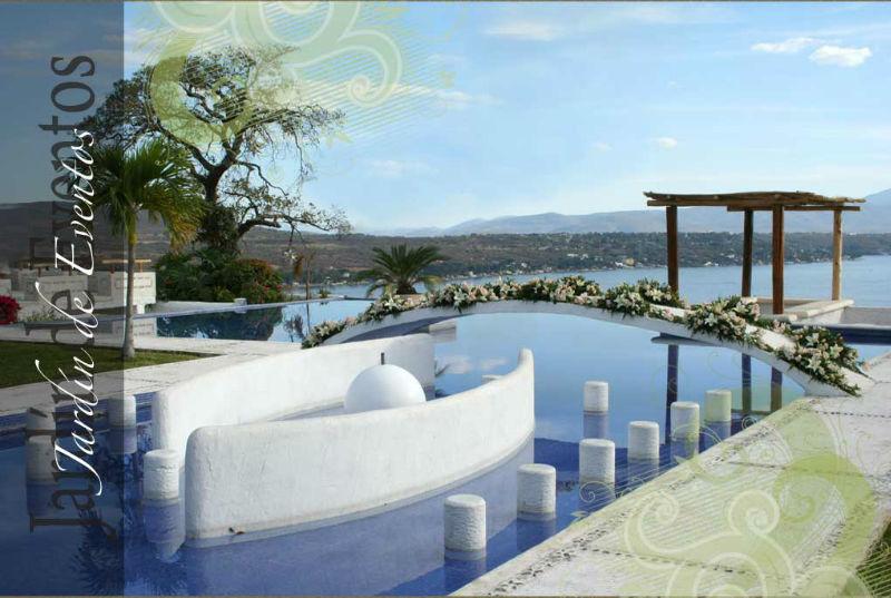 Jardín del Lago con vista panorámica al Lago de Tequesquitengo en Morelos