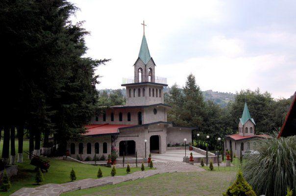 Iglesia para llevar a cabo la ceremonia religiosa - Foto El refugio del águila