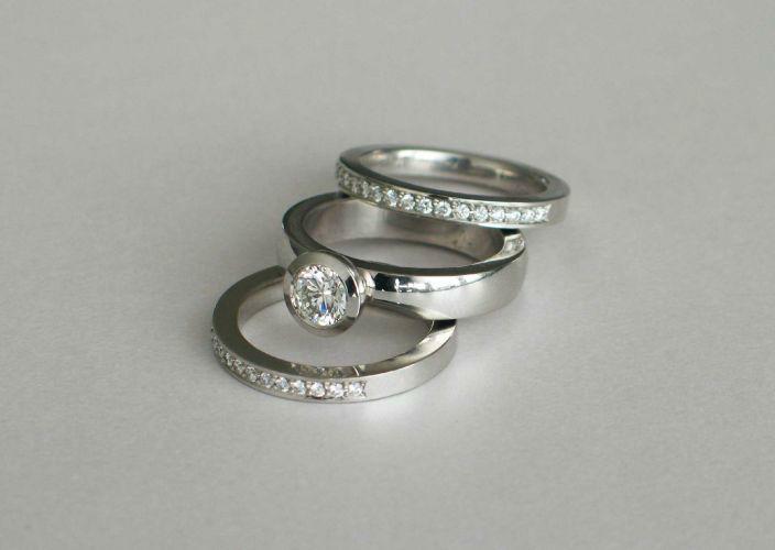Beispiel: Trauringe/Beisteckringe - Silber, Foto: Juwelier Jaufman.